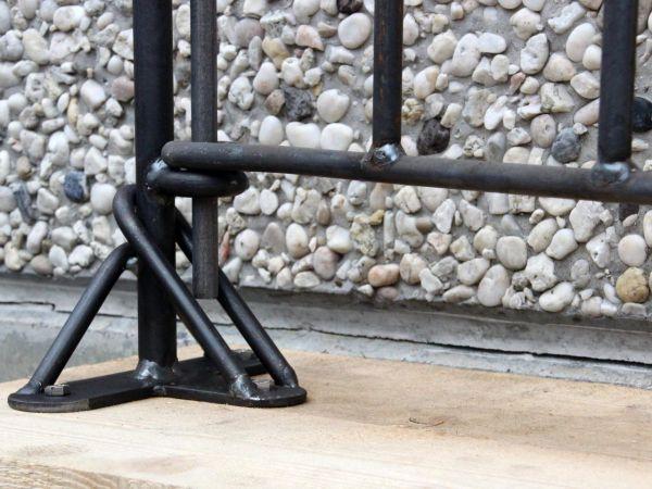 Pfosten zum Aufschrauben für die Tür Vienna in Eisen roh